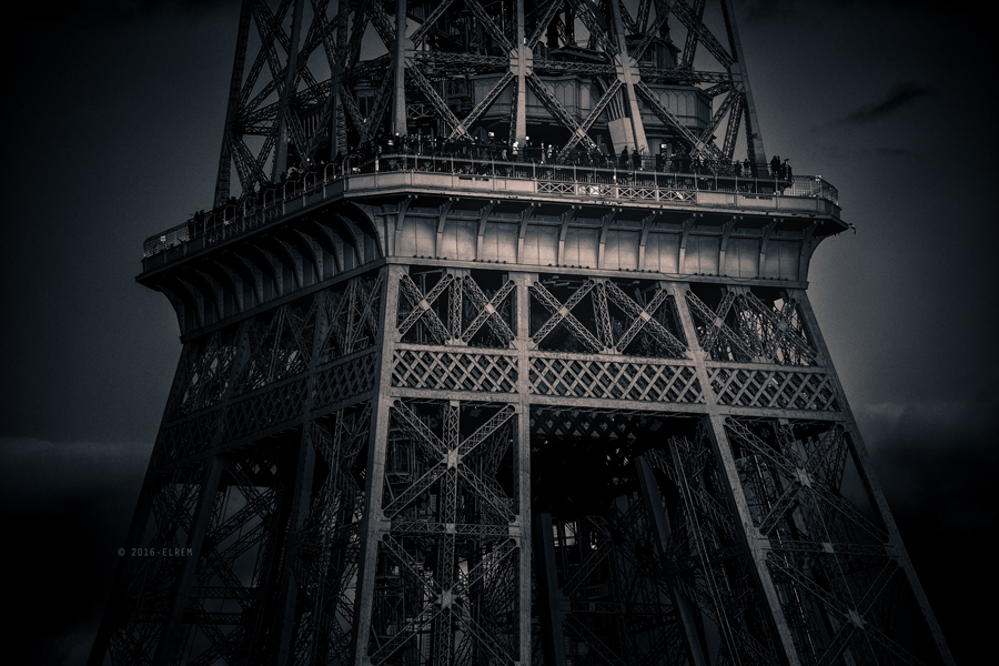 Paris2.0-Eiffel-Tower-Details-Ello.jpg