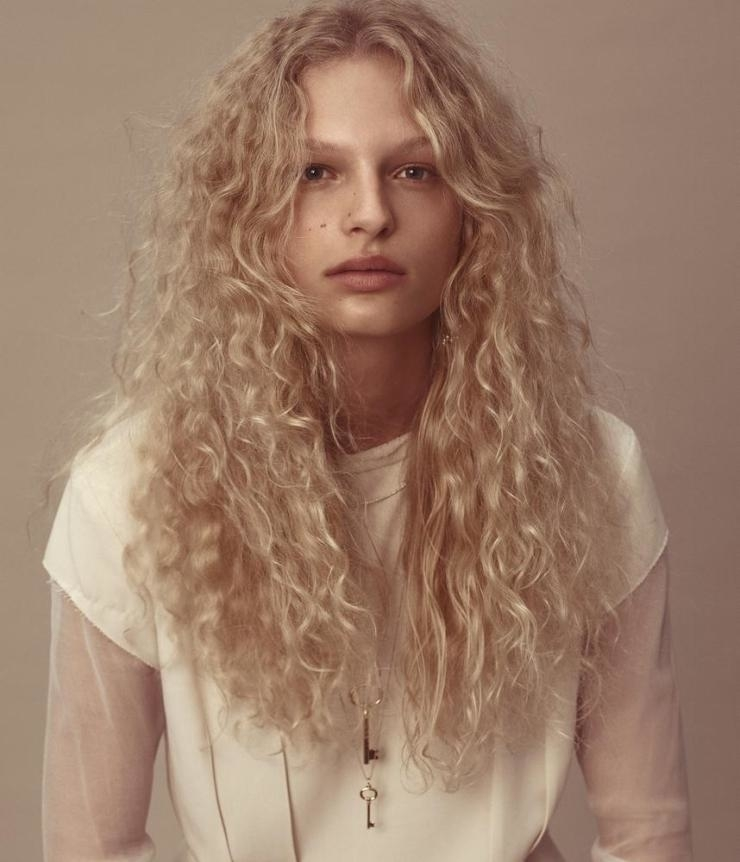 frederikke-sofie-by-daniel-jackson-for-wsj-magazine-march-2016-8.jpg