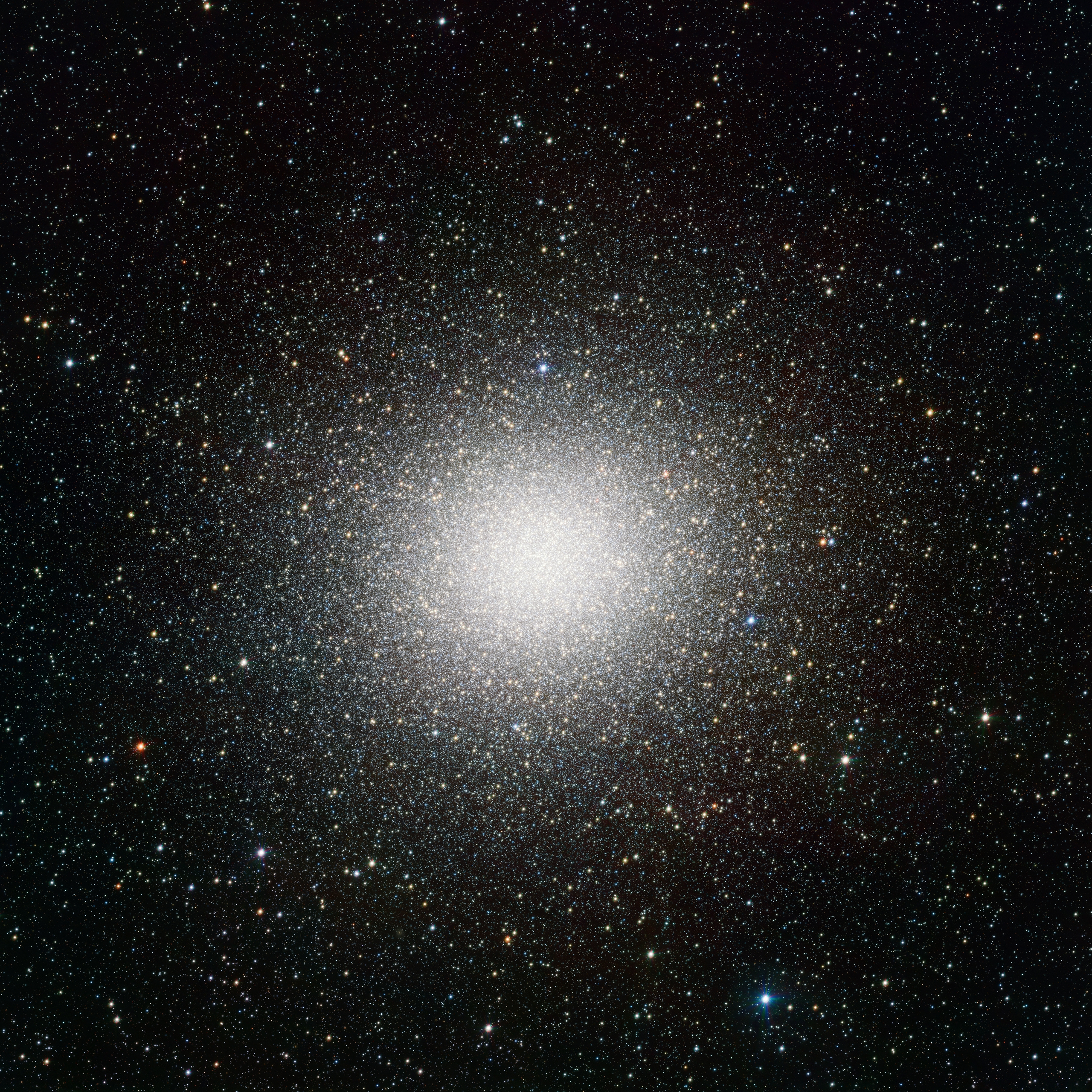 VST_image_of_the_giant_globular_star_cluster_Omega_Centauri.jpg