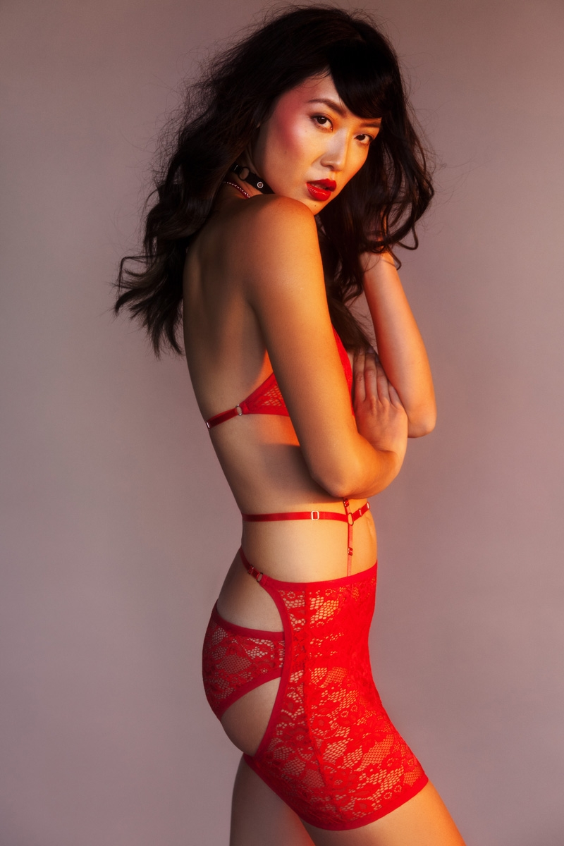 Hopeless Lingerie Crucial Taunt Editorial 10 Small.jpg