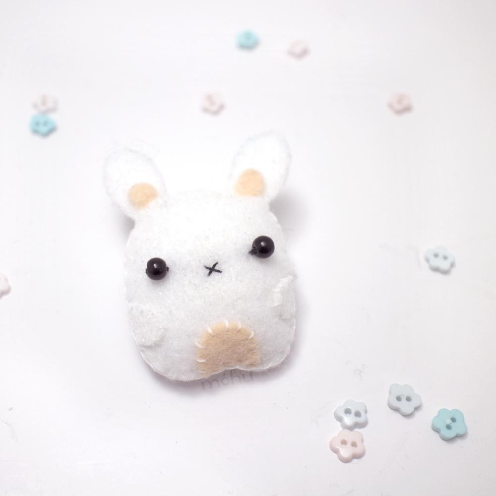 bunny brooch 1.jpg