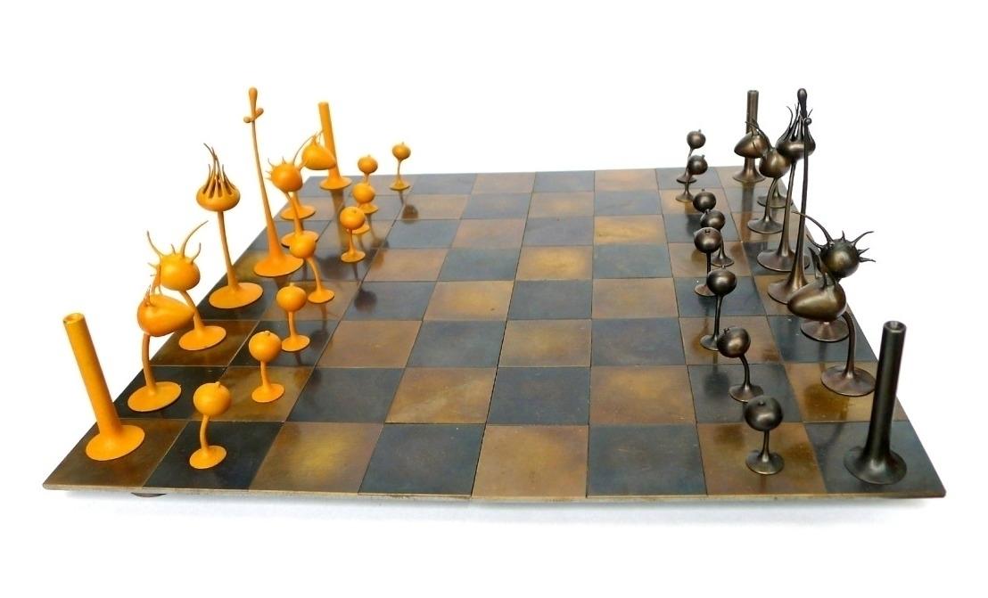 chess set sculpture  Mylinh Nguyen 1108 671.jpg