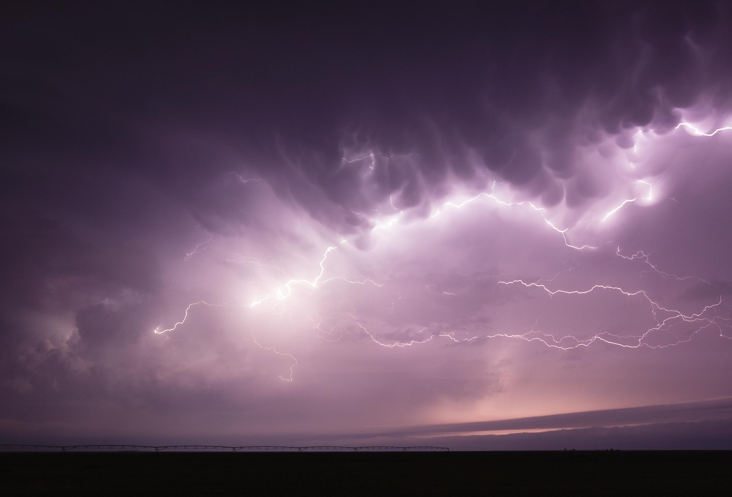 4-15-16-Dumas-Texas-lightning-V2-3k.jpg