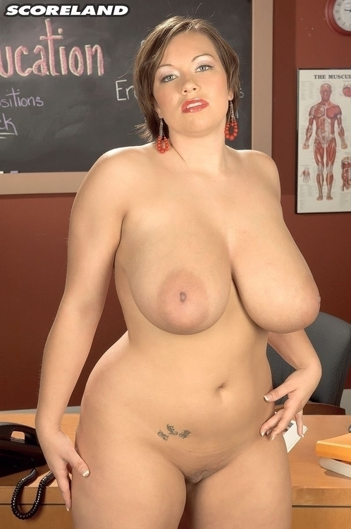 big boobs lesbians videos - XNXXCOM