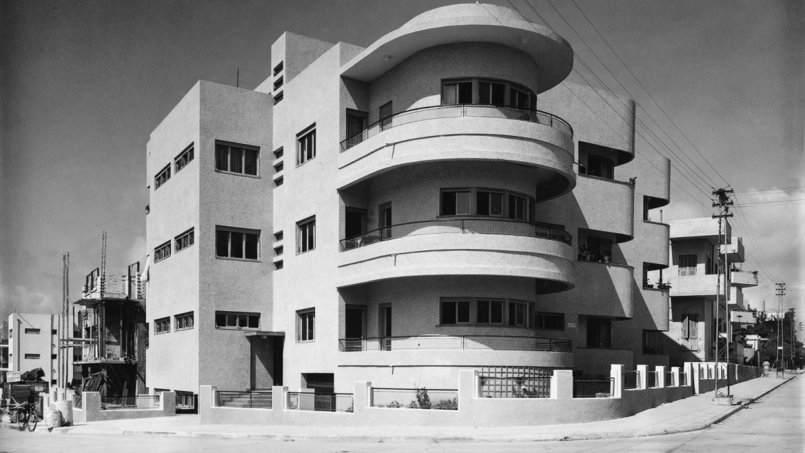 the architecture of palestine during the british mandate from bauhaus movement on ello. Black Bedroom Furniture Sets. Home Design Ideas